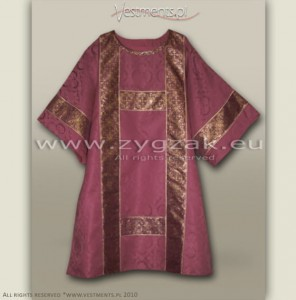 DS-ROZ-GT ROSE SEMI-GOTHIC DALMATIC